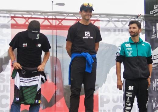 Sebas Sanchez en lo más alto del podio Transgrancanaria 83k. Foto: @memphismadrid (C) Carrerasdemontana.com